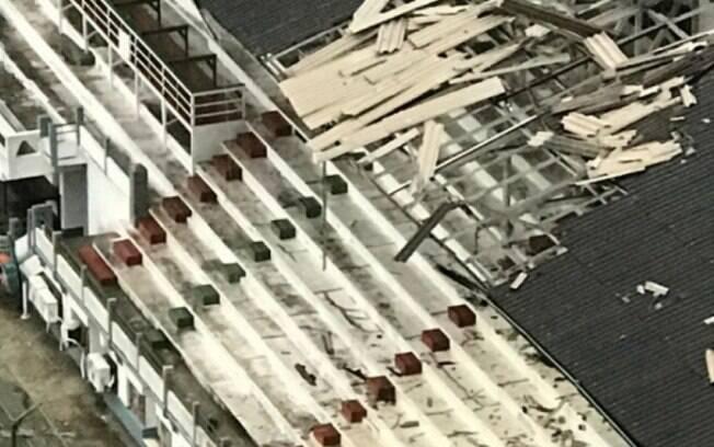 Parte do estádio das Laranjeiras foi destruída pela chuva