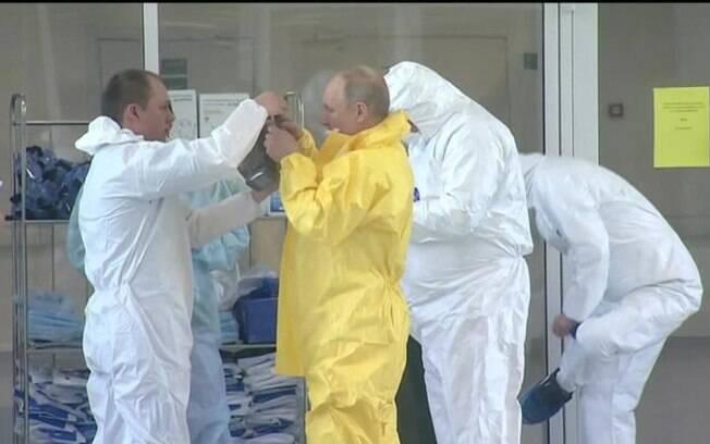 Vladimir Putin, residente da Rússia, defende suspensão das sanções durante pandemia do coronavírus