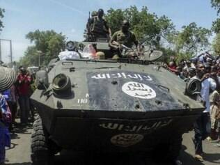 A operação de dois dias para libertar Monguno e dez outras comunidades  destruiu um esconderijo de equipamento, armas e munições.