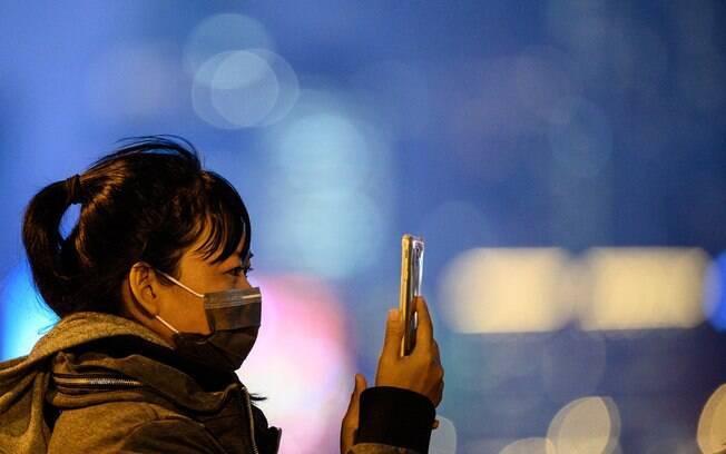 Autoridades de Hong Kong comemoram o distanciamento social seguido à risca pela população