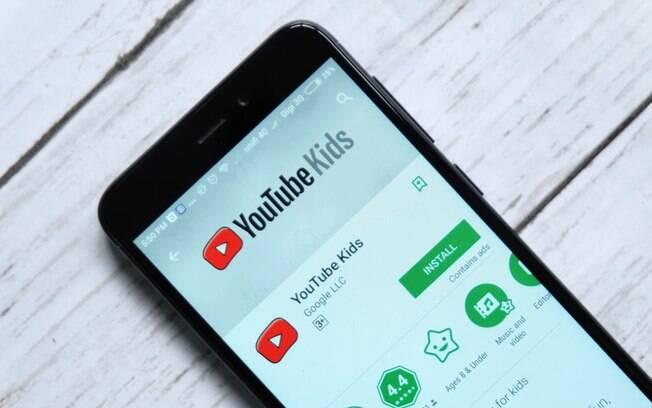 Após falha ser divulgada, YouTube informou que removeu os vídeos com teorias da conspiração da plataforma