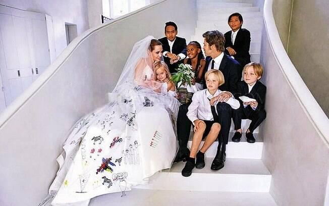 Celebridades que tem mais filhos! Brad Pitt e Angelina Jolie são pais de seis filhos