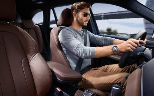 Posição correta de dirigir contribui com a segurança no trânsito e ajuda a curtir melhor a viagem ao volante