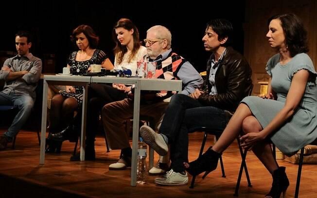 O elenco completo da peça: Daniel Warren, Tânia Castello, Luiza Lemmertz, Jô Soares, Cássio Scapin, Luciana Carnieli e Erica Montanheiro