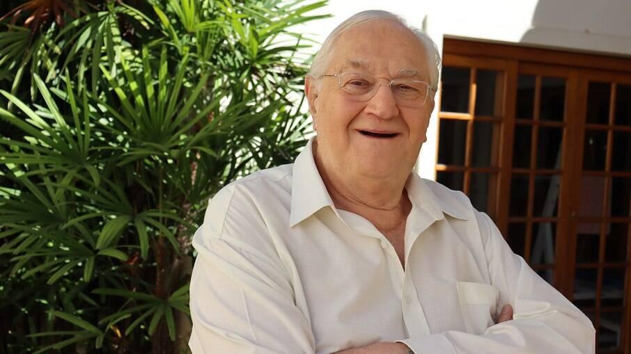 O jornalista iniciou na faculdade de medicina veterinária aos 80 anos de idade