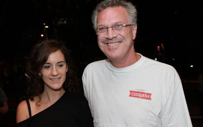 Pedro Bial com a filha, Anna, em pré-estreia de filme no Rio de Janeiro