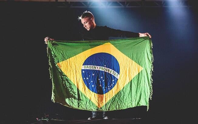 Imagem da apresentação do Major Lazer no Lollapalooza Brasil 2015