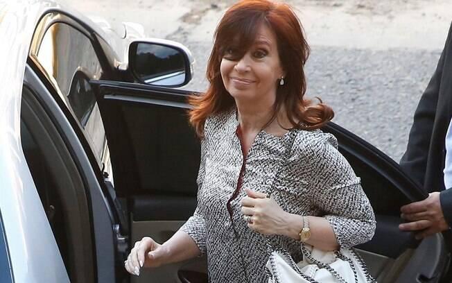 Cristina Kirchner chegou ao tribunal e chamou seu julgamento de