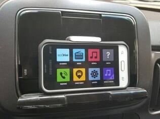Fiat Mobi pode vir com sistema LiveOn, que transforma até os celulares mais simples em central multimídia