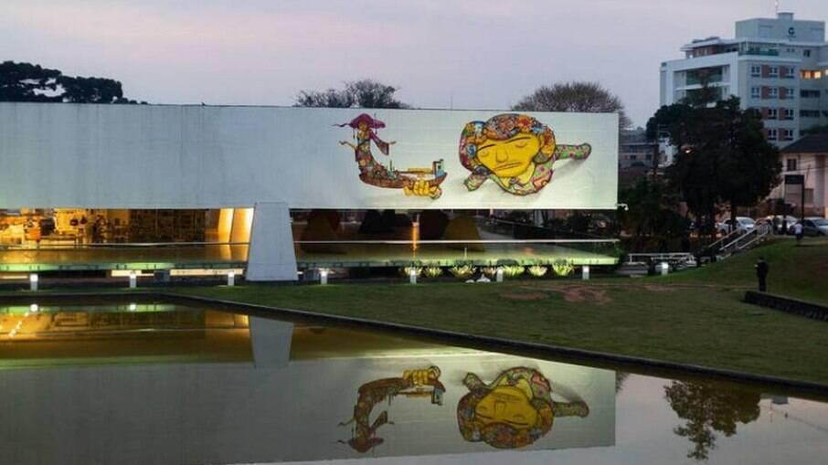 Bisneto de Oscar Niemeyer critica grafite em fachada de museu