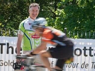 Brad Hains tem cadastro com 1.200 pessoas interessadas em ciclismo