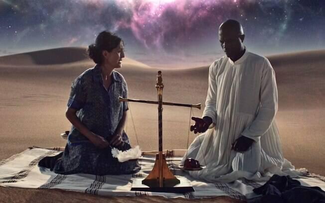 As dez melhores cenas de ''American Gods'': Anubis arranca o coração de uma mulher para fazer o julgamento de sua vida