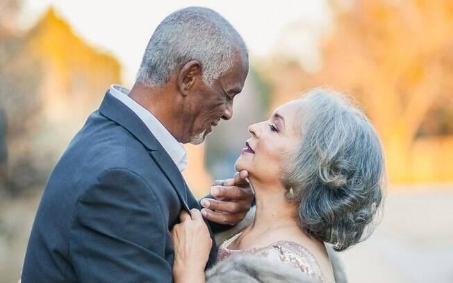 Segundo Amber, o objetivo em postar a foto e a história de amor dos pais era mostrar que o amor resiste a praticamente tudo. Para esta imagem, a fotógrafa afirma que pediu à mãe que ela dissesse quanto orgulho ela sente do marido
