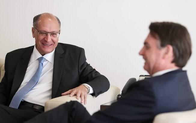 Geraldo Alckmin e Jair Bolsonaro se encontraram no início de abril