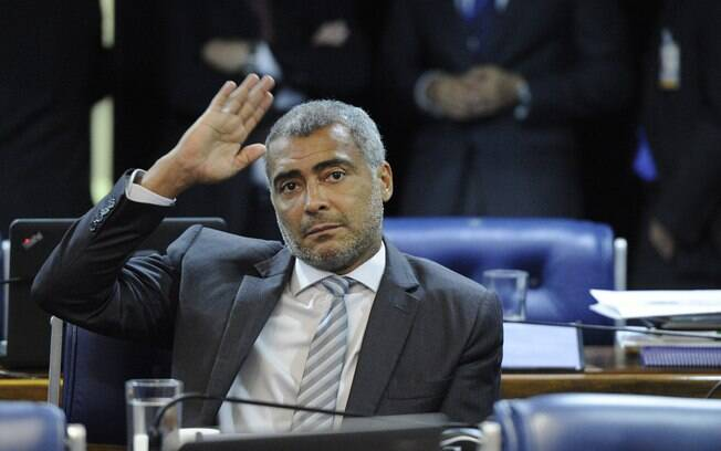 Estratégia de Romário para estender mandato no Senado e manter suplente no cargo foi negada pela Justiça Eleitoral
