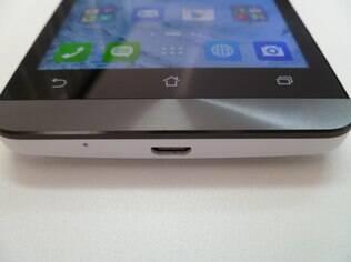 Acabamento em metal dá mais elegância ao Zenfone 5