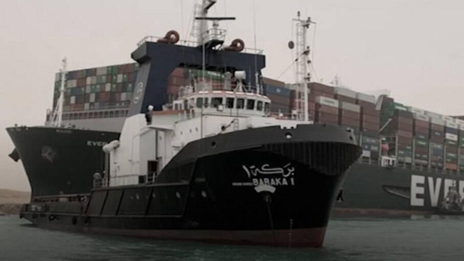 Dono de embarcação admite dificuldade em realizar o desencalhe