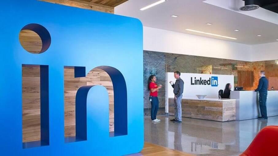 LinkedIn é utilizado para contatos profissionais