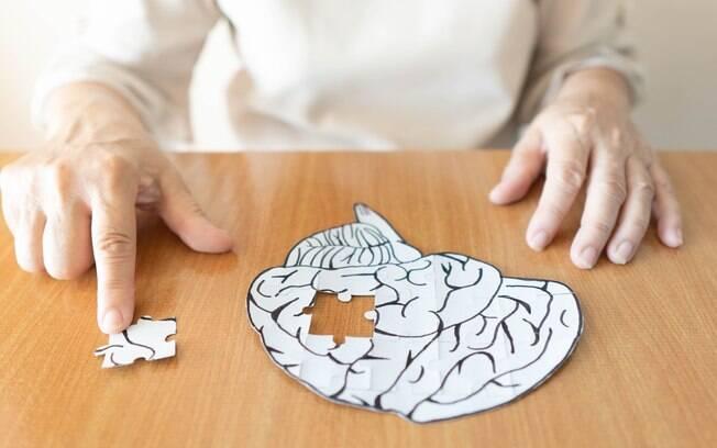 As chaves para manter sua mente sã até a velhice estão na prática de exercícios mentais, físicos e numa dieta adequada