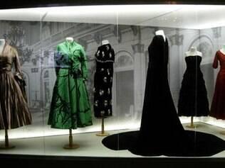 Objetos estão divididos em fases da vida de Evita