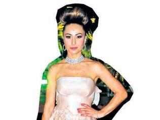 Vestida de Patrícia Bonaldi para o casamento de sua irmã Karina Sato