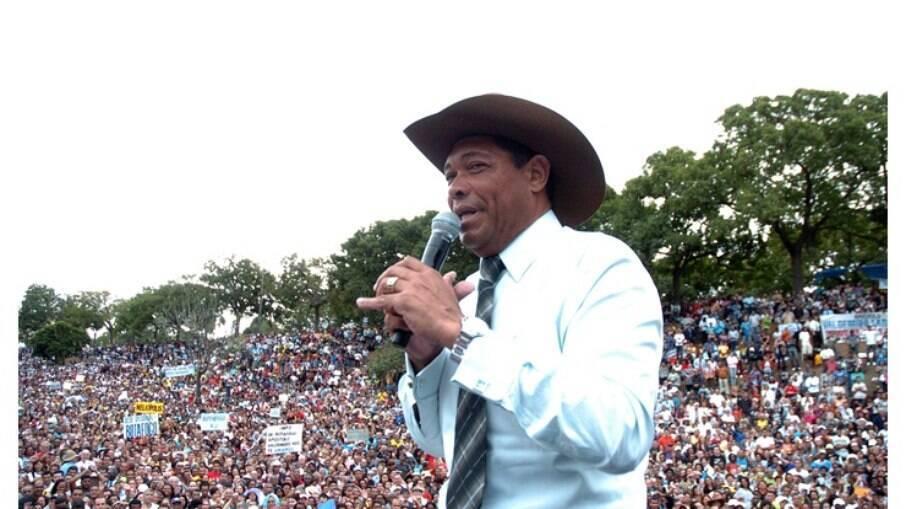 Pastor Valdemiro Santiago, fundador da Igreja Mundial do Poder de Deus
