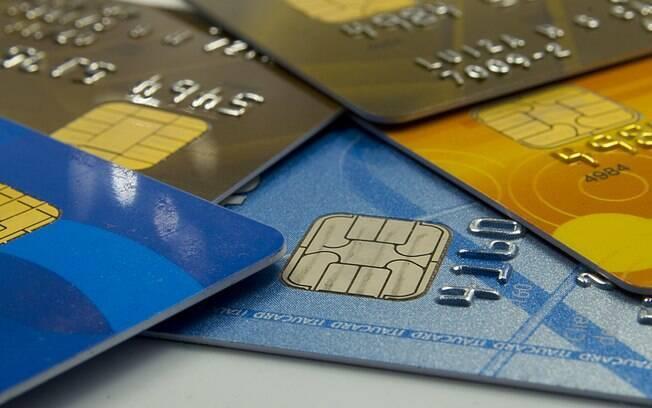 O cartão de crédito continua o vilão do endividamento e é o principal meio de financiamento das famílias, utilizado por 73,2% dos devedores em maio