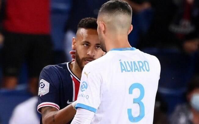 Neymar e Álvaro Gonzalez