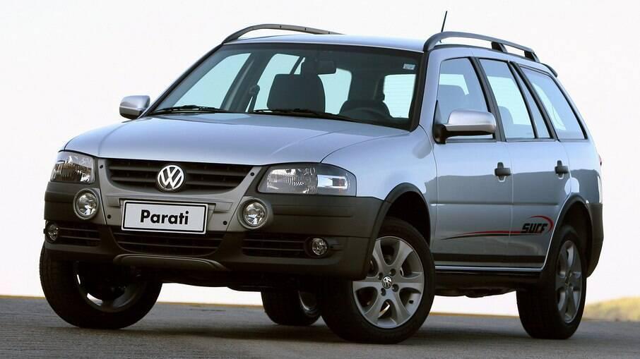 VW Parati na quarta geração podia ser encontrada na versão Surf com a frente do Gol Rallye
