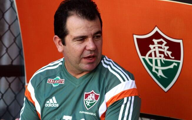 Enderson Moreira não resistiu à sequência de sete jogos sem vitória