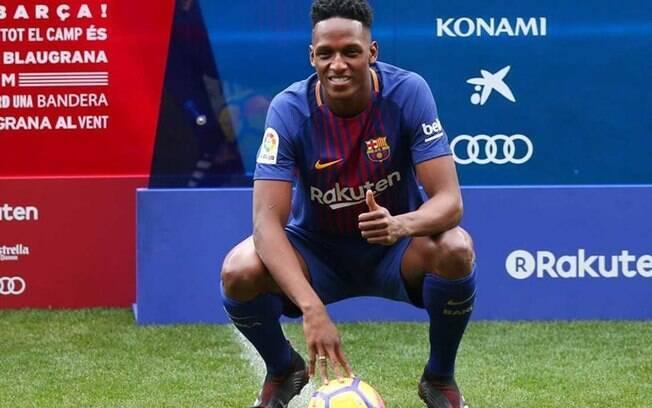 Yerry Mina sendo apresentado como jogador do Barcelona