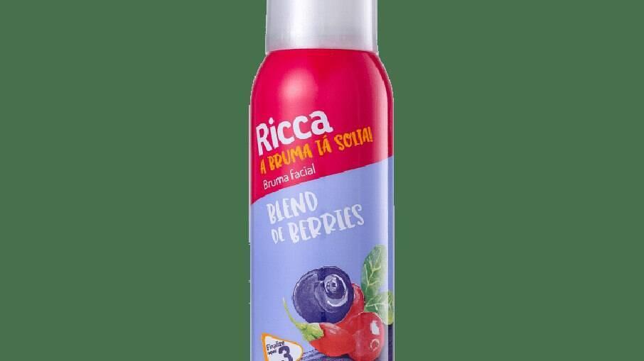 A Bruma Tá Solta! Blend de Berries refresca, hidrata, protege contra a poluição e a luz azul, e ajuda a fixar a maquiagem