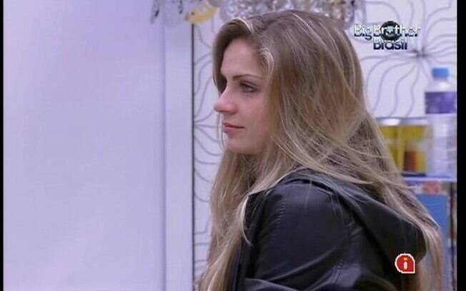 Renata conta que torce para que Jonas elimine João Maurício do reality