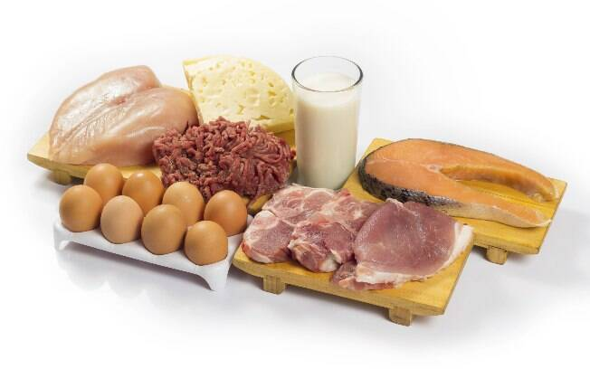 Dietas ricas em proteínas favorecem o mau hálito. Foto: Thinkstock