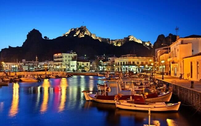 Lemnos é uma ilha isolada. A pesca é muito característica da região, e a vida noturna é mais animada que nas outras ilhas