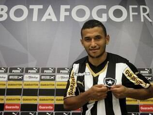 Rogério deve exercer função pelas beiradas do campo, como ele disse que gosta de jogar