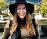 Publisher da Profashional Editora, escritora e poeta.