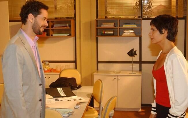 Marcos (Dan Stulbach) e Raquel (Helena Ranaldi) em