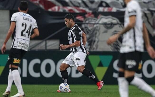 Com dois gols de Hulk, Atlético-MG vence Corinthians de virada