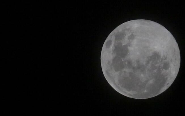 Superlua? Lua Rosa? Veja imagens do satélite nesta segunda