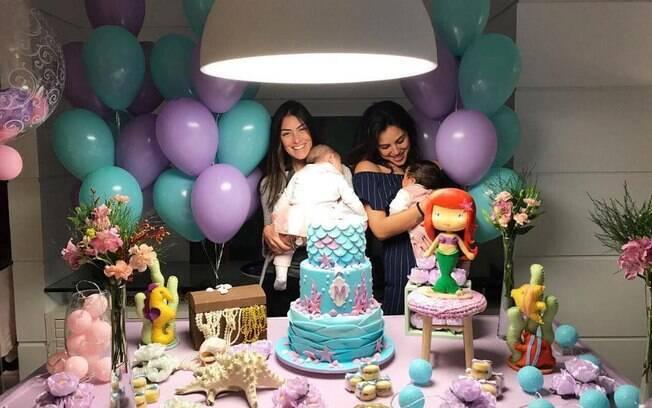 Primas Maria e Madalena comemoraram mesversário juntas, reunindo ainda mais a família para a festa do fundo do mar
