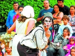 """Abertura. Com o espetáculo """"Como a Gente Gosta"""", o grupo Maria Cutia é o responsável pela abertura do evento em BH"""