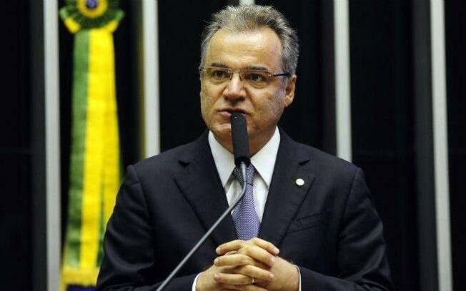 Samuel Moreira (PSDB-SP), relator da reforma da Previdência, busca antecipar parecer para esta quinta-feira