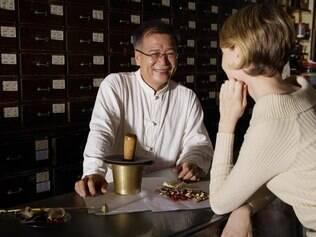 Compre a planta medicinal em uma farmácia ou herbanário, embalada e beneficiada de forma correta