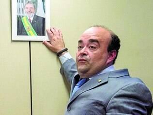 "Lados. Santana defendeu o ""Volta, Lula"", depois apoiou Aécio"