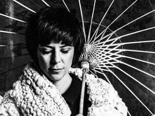 Fernanda Takai apresenta também composições próprias no disco