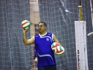 Nery Tambeiro prepara o Minas para os desafios da temporada 2014/2015