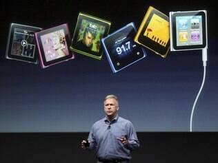 Phil Schiller, executivo da Apple, apresenta os novos iPods da linha nano