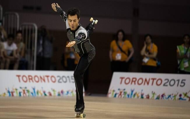 Marcelo Sturmer, atleta brasileiro da patinação artística