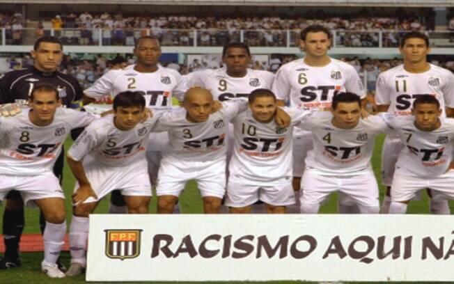 O elenco do Santos de 2009 tinha atletas como Neymar e Paulo Henrique Ganso surgindo